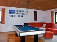 Wohnzimmer mit Billard